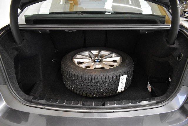 BMW 320 21