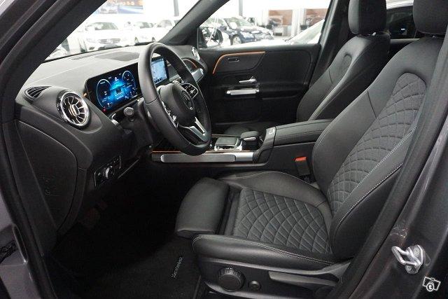 Mercedes-Benz GLB 6