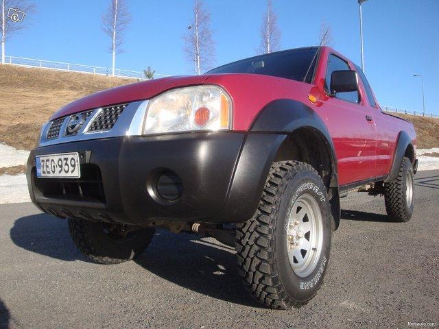 Nissan Pickup 3
