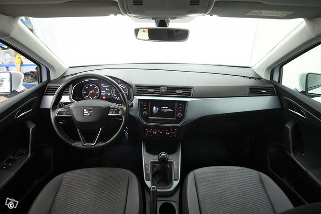 Seat Arona 4