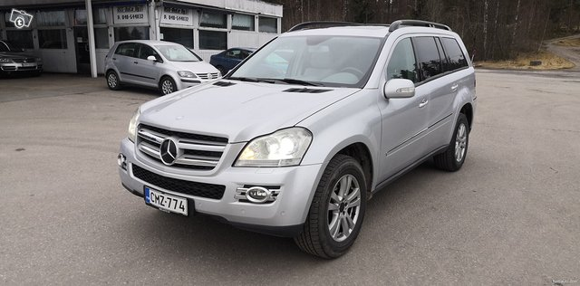 Mercedes-Benz GL 2