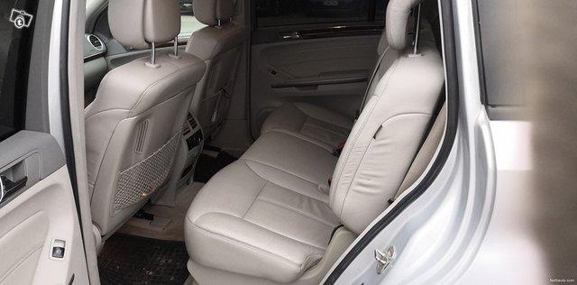 Mercedes-Benz GL 11