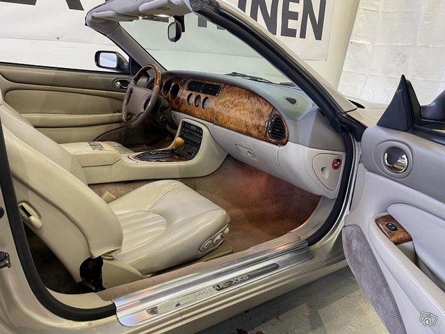 Jaguar XK8 8
