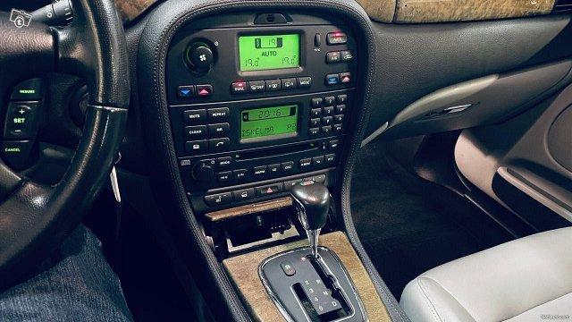 Jaguar S-Type 16