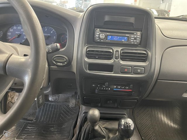 Nissan King Cab 5