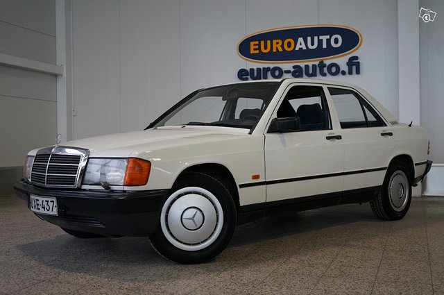 Mercedes-Benz 190 22