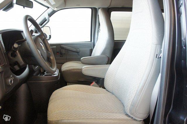 Chevrolet Express 7
