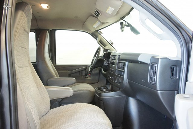 Chevrolet Express 11