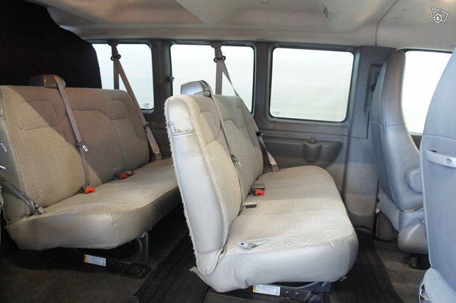 Chevrolet Express 13