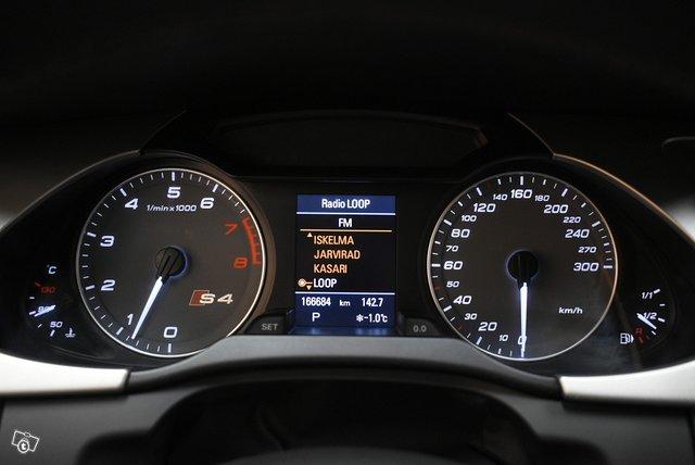 Audi S4 16