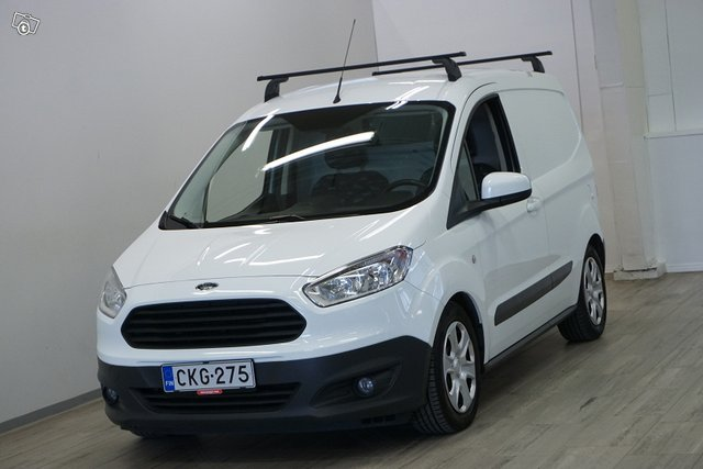 Ford Transit Courier 2