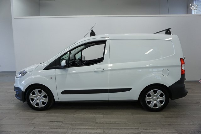 Ford Transit Courier 4