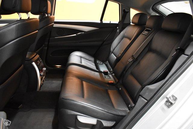 BMW 530 GRAN TURISMO 11