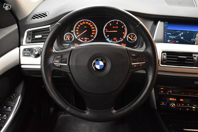 BMW 530 GRAN TURISMO 14