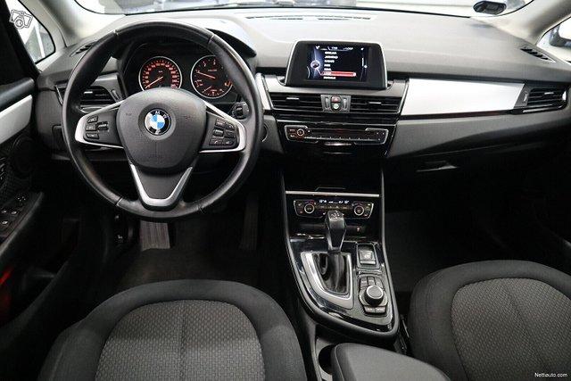 BMW 218 10