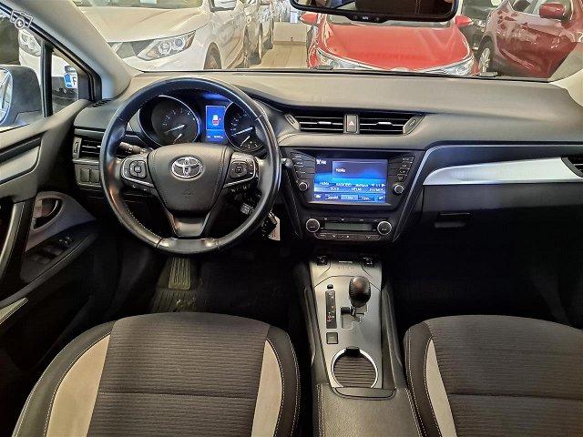 Toyota Avensis 7