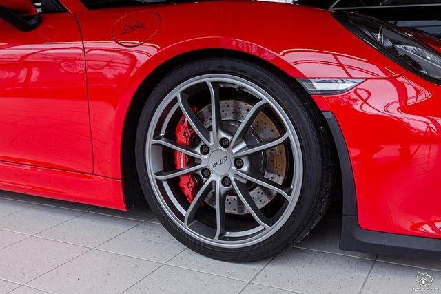 Porsche Cayman 5