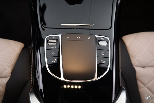 Mercedes-Benz EQC 15