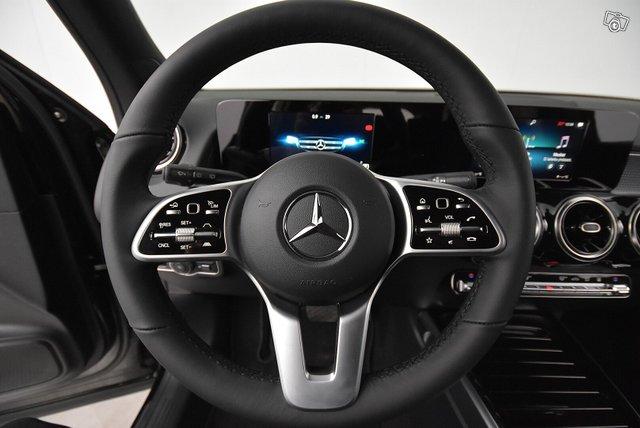 Mercedes-Benz GLB 17