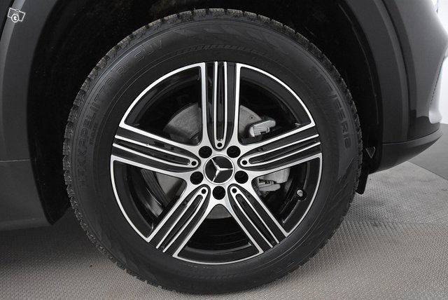 Mercedes-Benz GLB 21