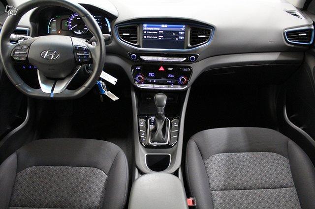 Hyundai Ioniq Plug-In 9