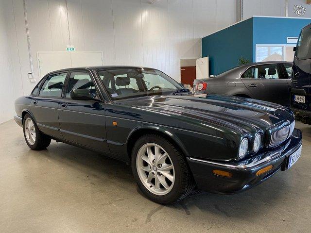 Jaguar XJ8 3
