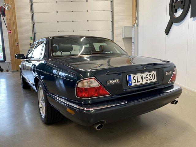 Jaguar XJ8 5