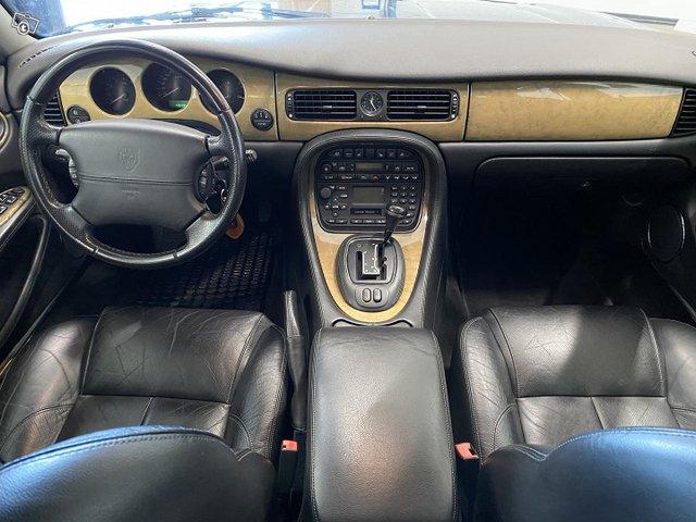 Jaguar XJ8 8