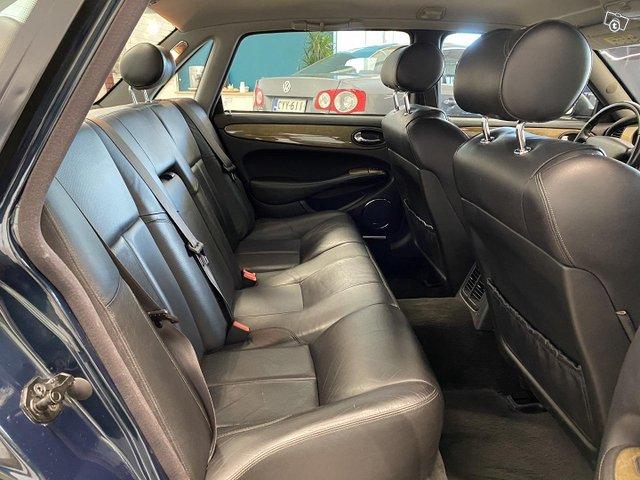 Jaguar XJ8 14