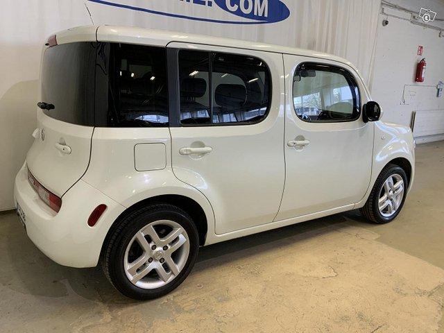 Nissan Cube 4