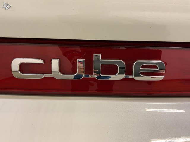 Nissan Cube 9