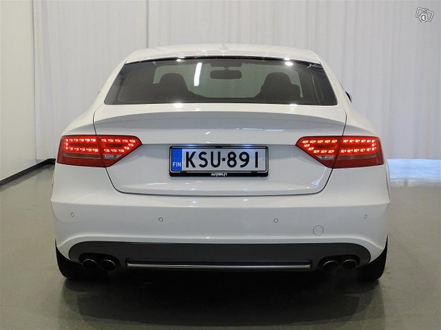 Audi S5 4
