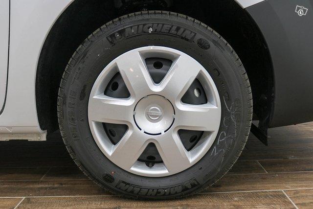 Nissan NV250 10