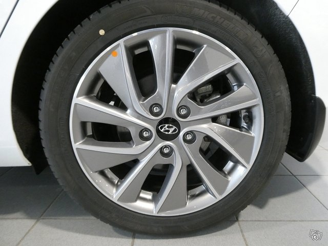 HYUNDAI I30 Fastback 19
