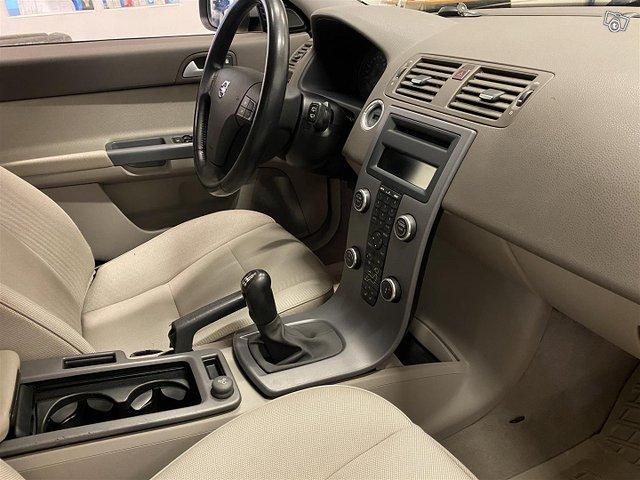 Volvo V50 11
