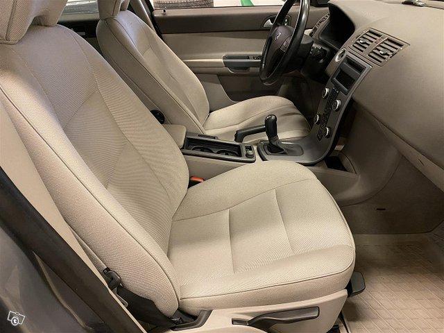 Volvo V50 12