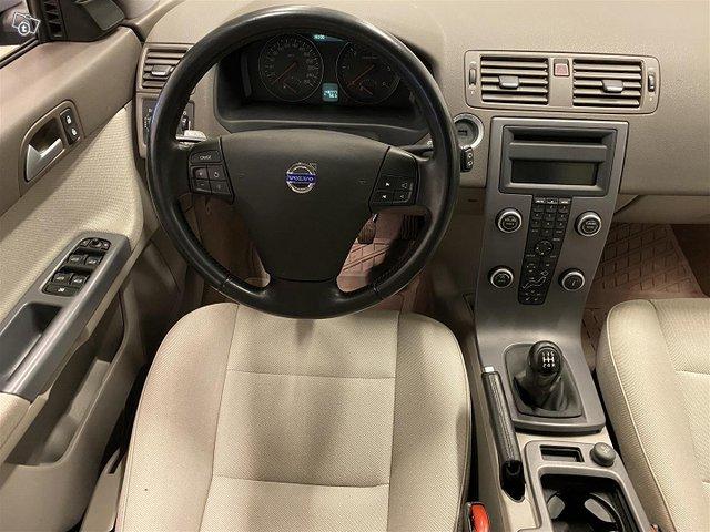 Volvo V50 13