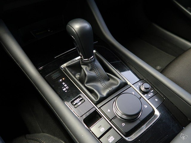 MAZDA Mazda3 15