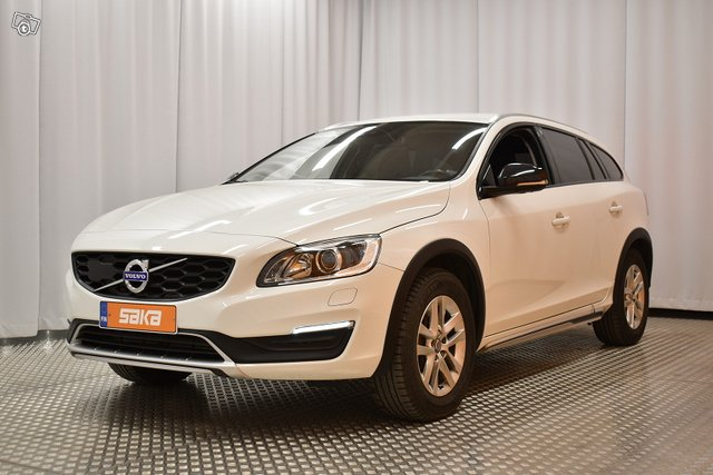 Volvo V60 Cross Country 4