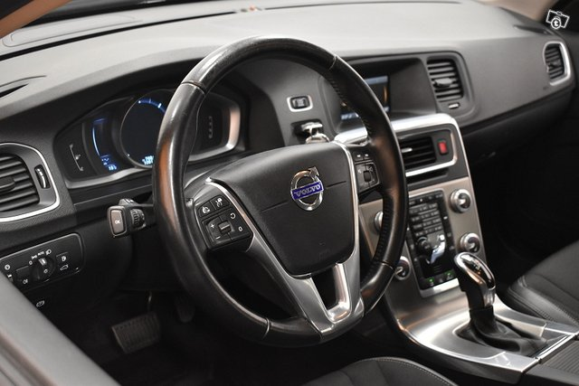 Volvo V60 Cross Country 10