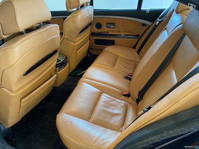 BMW 760 11