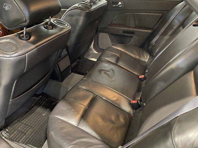 Cadillac STS 5