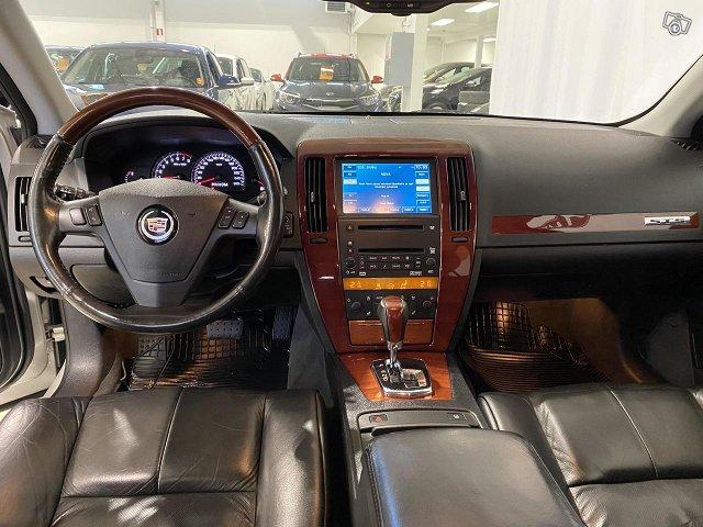 Cadillac STS 6