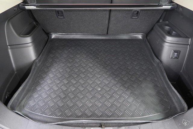 Mitsubishi OUTLANDER 9