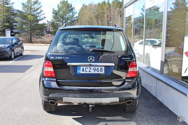 Mercedes-Benz ML 7