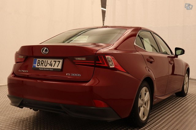 LEXUS IS 4