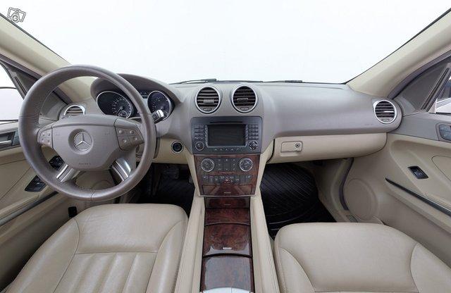 Mercedes-Benz ML 10