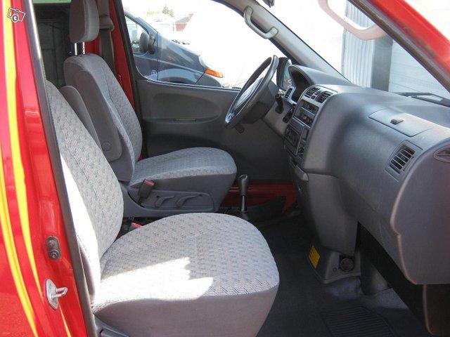 Toyota Hiace 8
