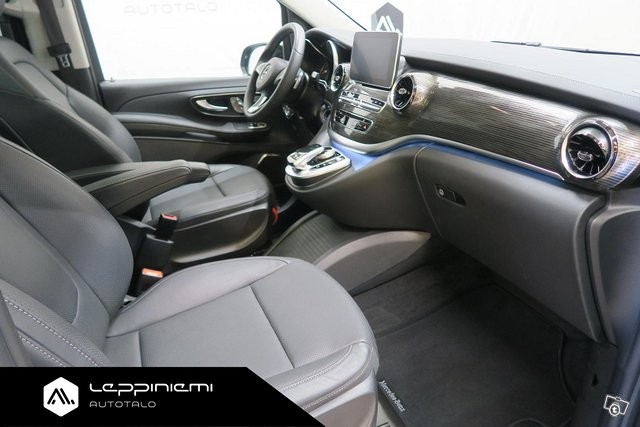Mercedes-Benz V 12