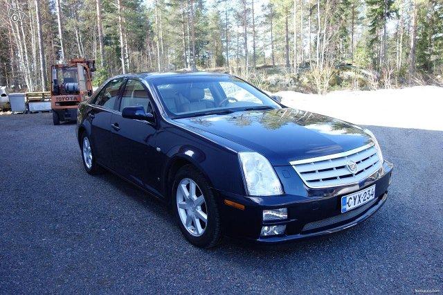 Cadillac STS 2
